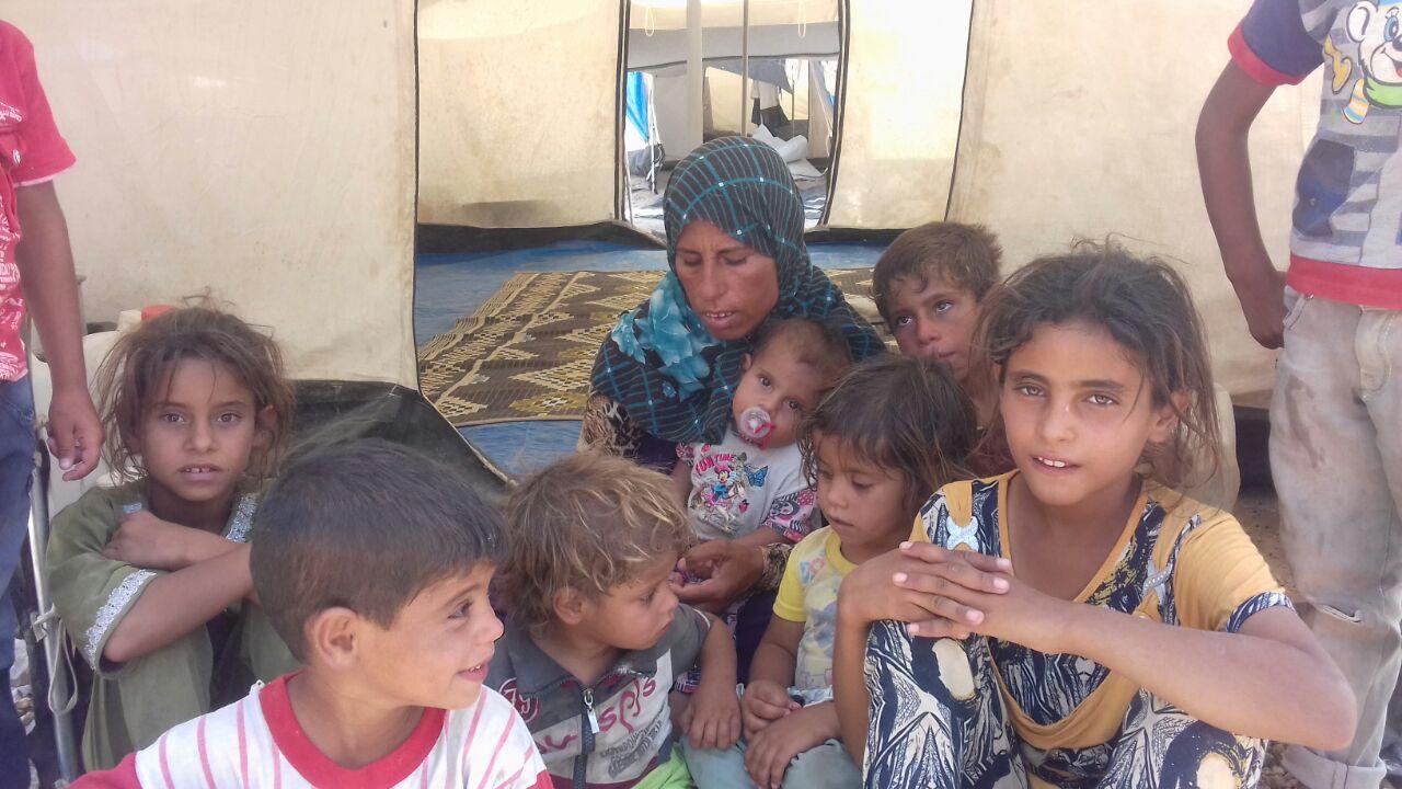 #بالصور.. أطفال الانبار النازحون بالمخيمات يعانون الامراض ونقص الماء بالمحافظة