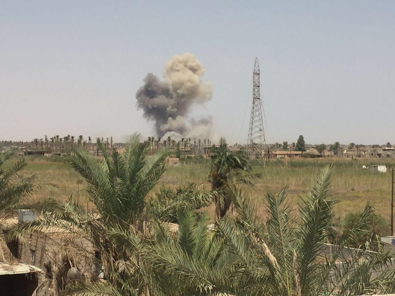 """تدمير أربعة ابنية وعجلة مفخخة لـ""""داعش"""" شمال الرمادي"""