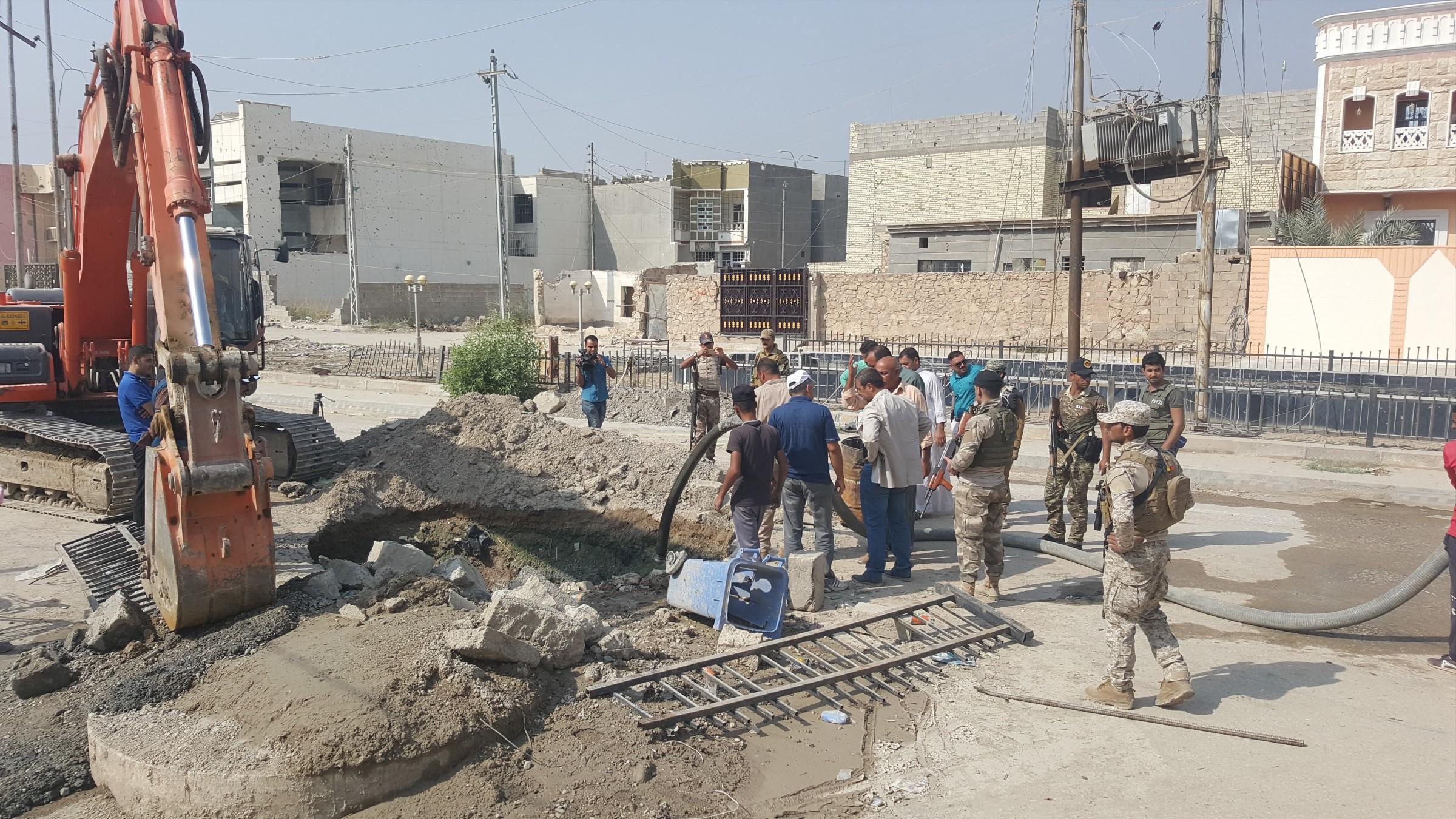 مسؤول محلي يناشد وزارة البلديات بالتدخل وإنقاذ الواقع الخدمي بالرمادي