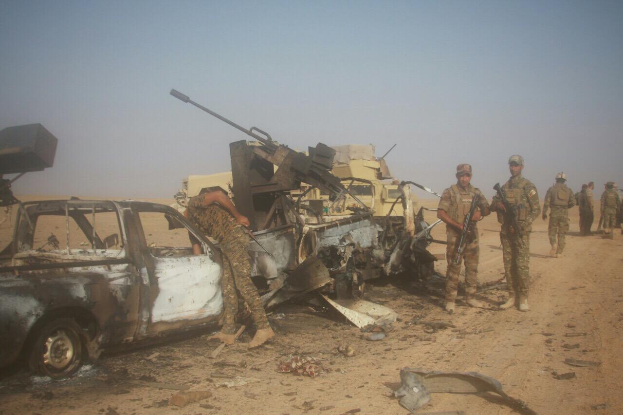 """تدمير ثلاث عجلات لـ""""داعش"""" كانت تروم الهجوم على حديثة الصمود"""