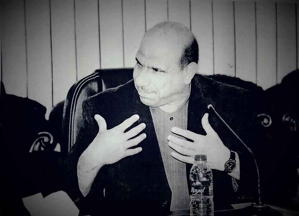 يحزنني جدا إن أرى ( شباب الانبار ) يحمل السلاح والبكس الحديد أبو الشبرية ولا يحمل الكتاب .!.