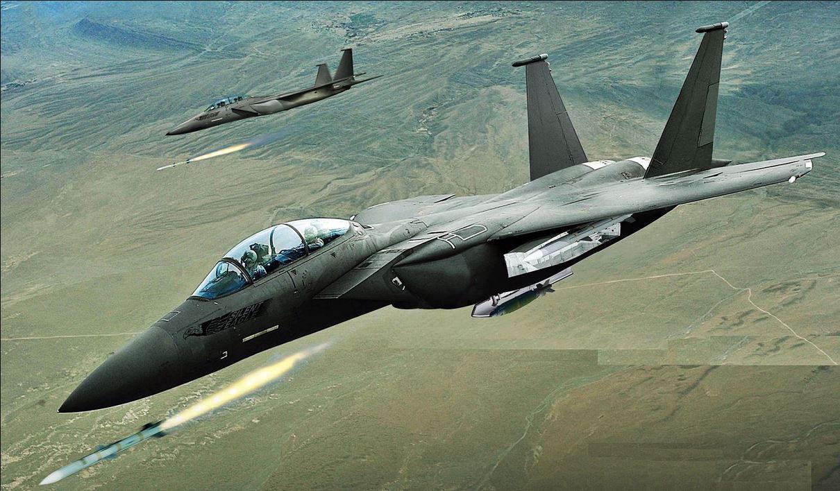 """طيران التحالف يقصف منزلا يستخدمه """"داعش"""" مقرا له في القائم"""