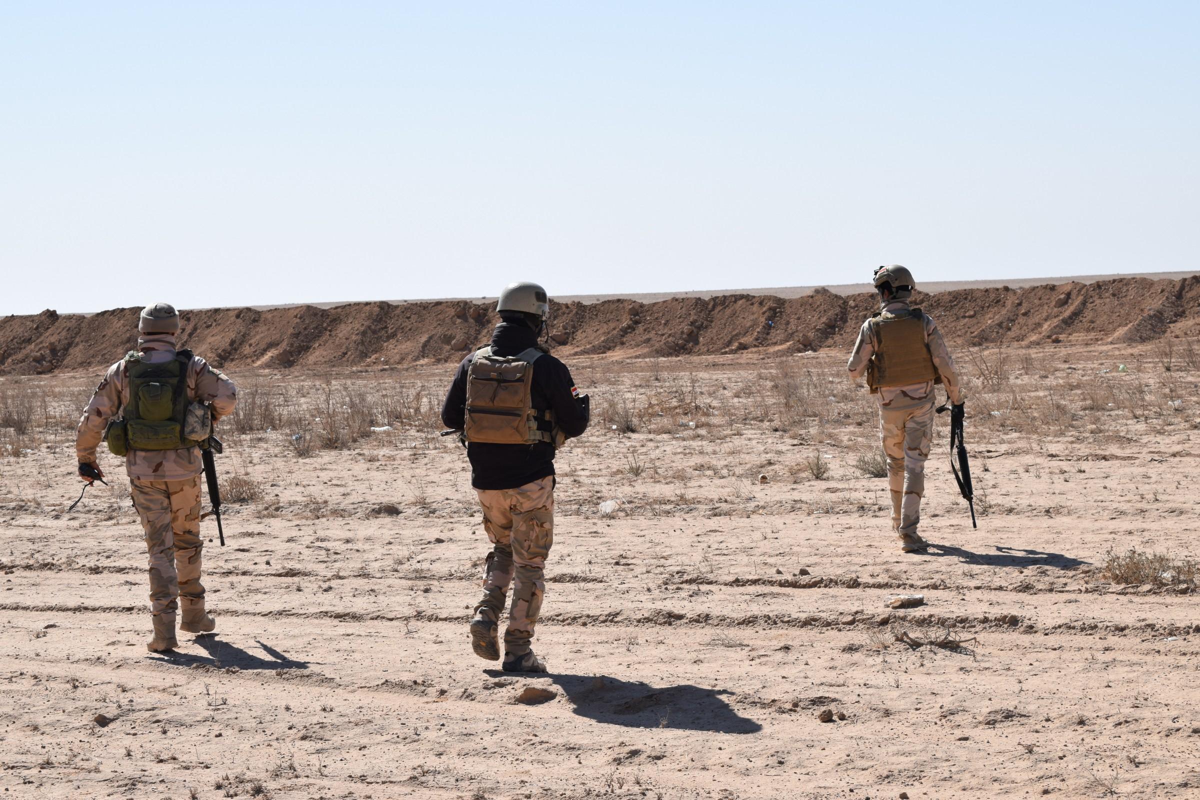 اللواء الركن الفلاحي يعلن قتل انتحاريين حاولا التسلل الى بحيرة الرزازة