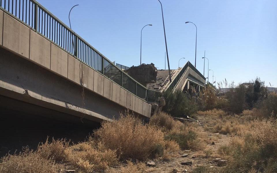 المباشرة بنصب جسر حديدي على وادي المحمدي غرب الرمادي