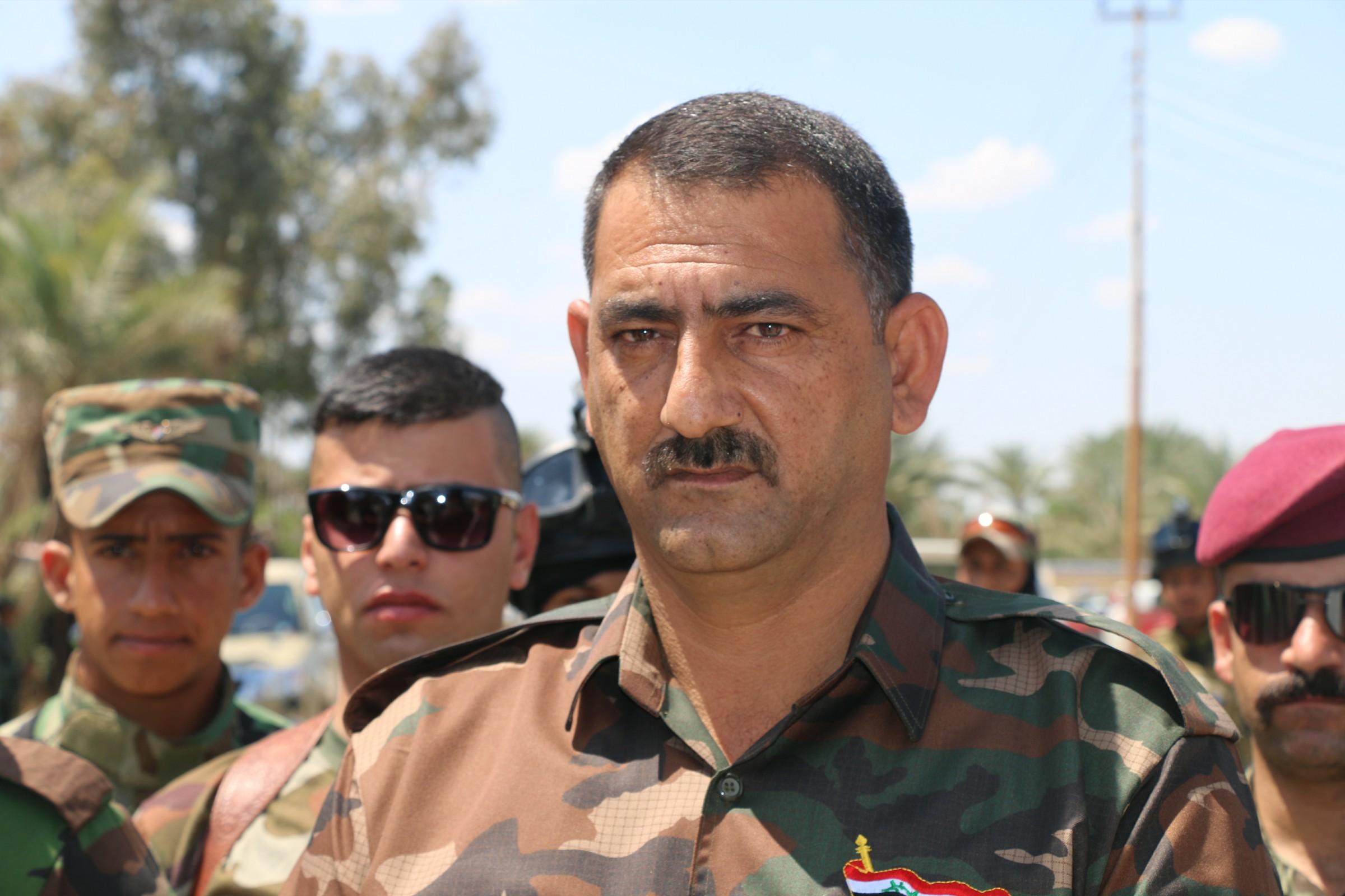 قوة عسكرية تعتقل شيخ عشيرة وآمر فوج ومعاونه بالحشد في الكرمة