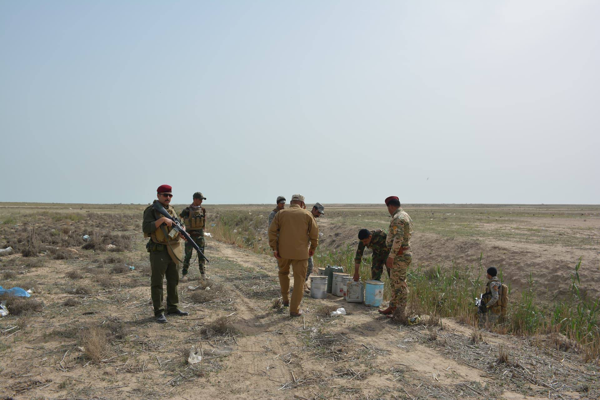 "بالصور .. مواد متفجرة لـ""داعش"" جنوبي الانبار"