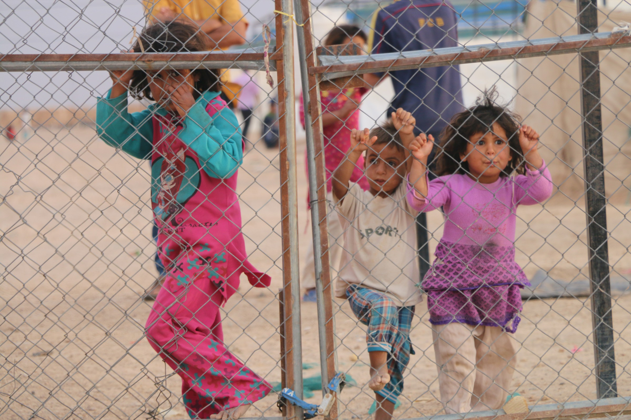 وفاة طفلة نازحة نتيجة ارتفاع درجات الحرارة في مخيمات الأنبار