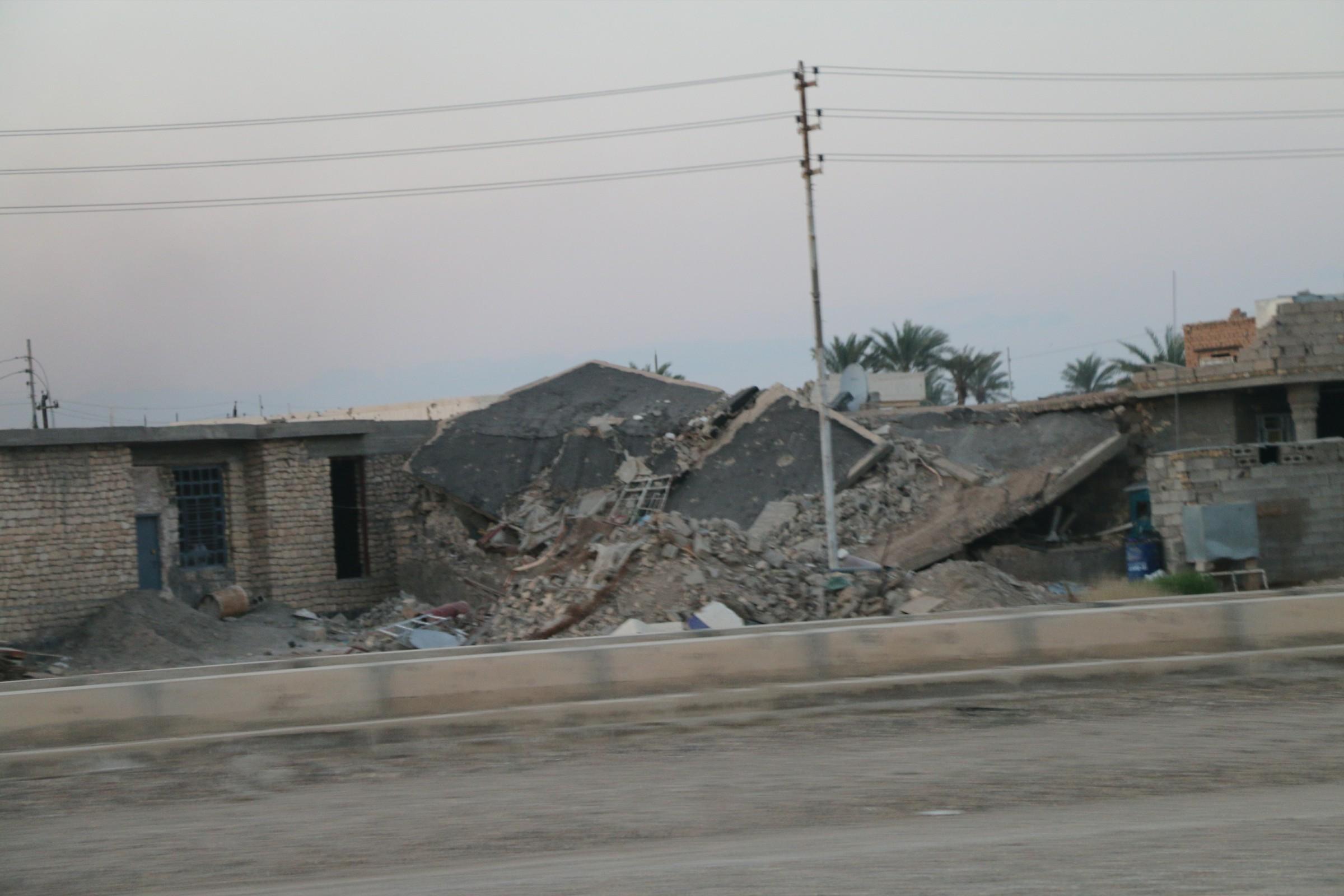 مقتل شقيقين وإصابة احد اقاربهما بانفجار منزل مفخخ شرق الرمادي