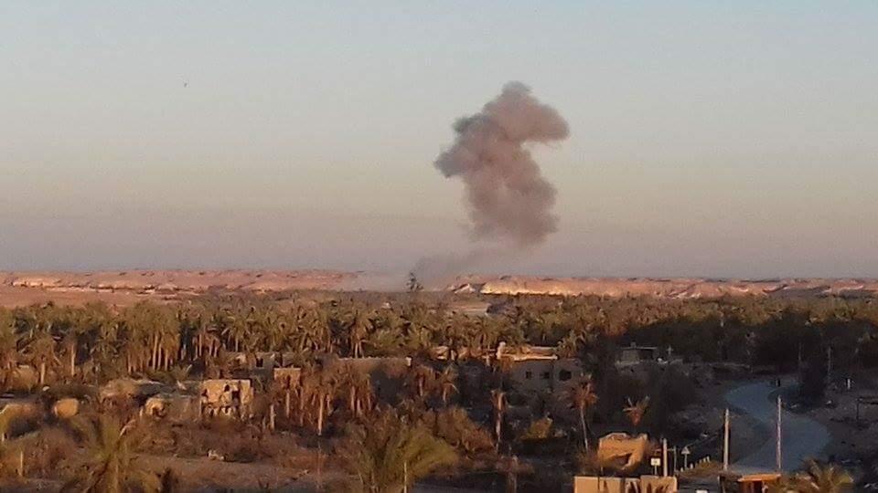 """تدمير معمل تفخيخ وعجلة ملغمة لـ""""داعش"""" بقصف جوي في راوه"""