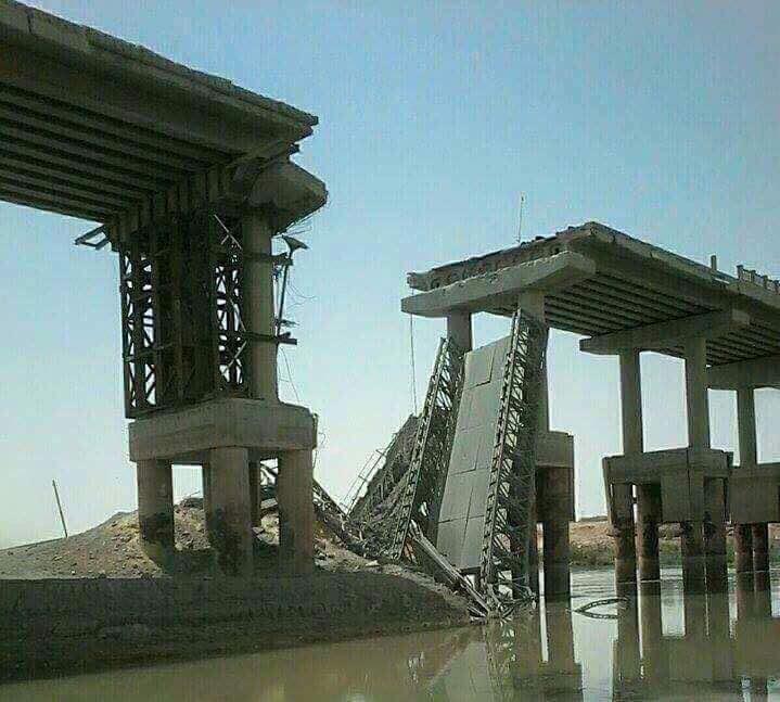 """الطيران الحربي يقصف جسرا حيويا في راوه ويقطع امدادات """"داعش"""""""