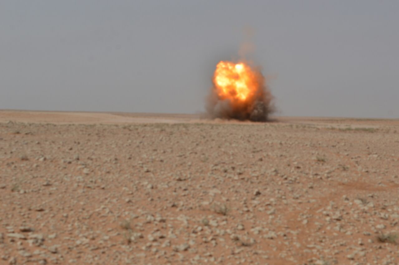 التحالف يدمر عجلة لداعش تنقل عبوات ناسفة غرب الرمادي