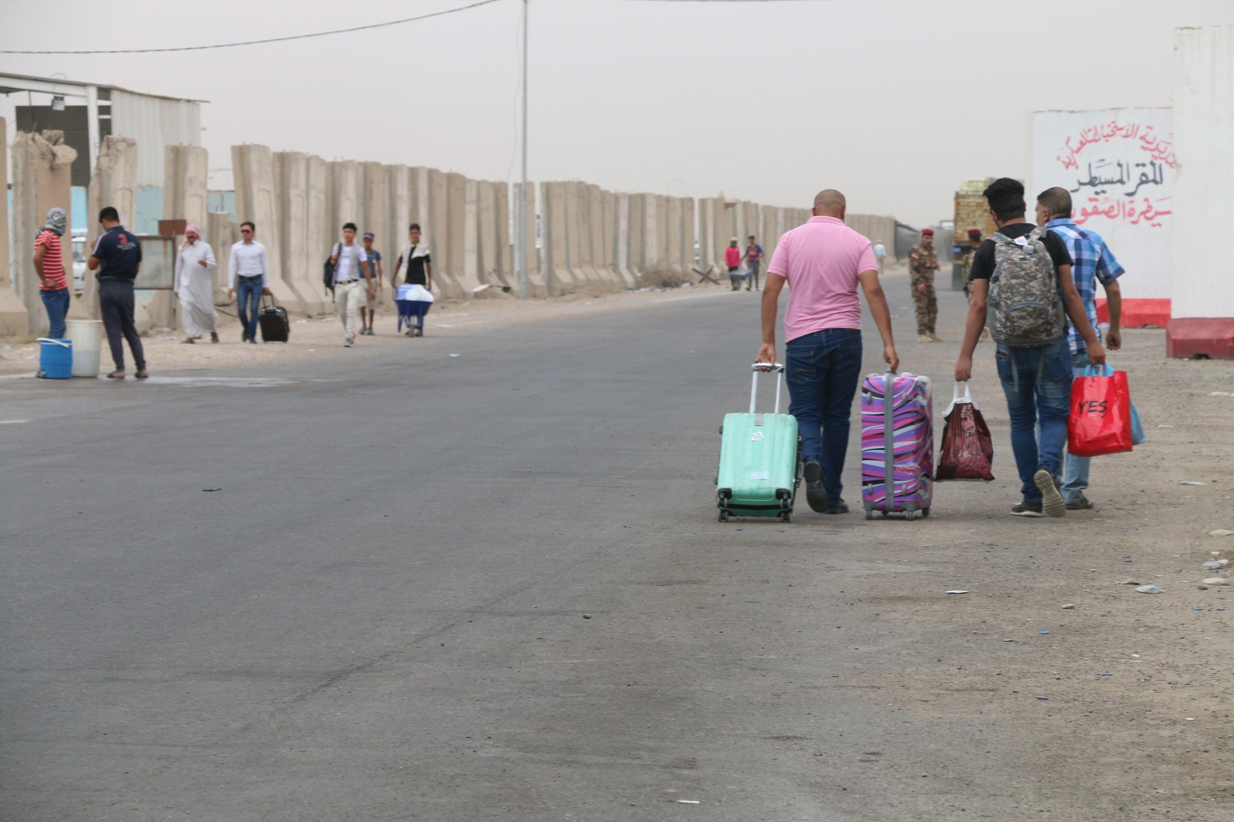 مسؤول محلي يناشد العبادي بالسماح لأبناء المناطق الغربية بالانبار بحرية التنقل