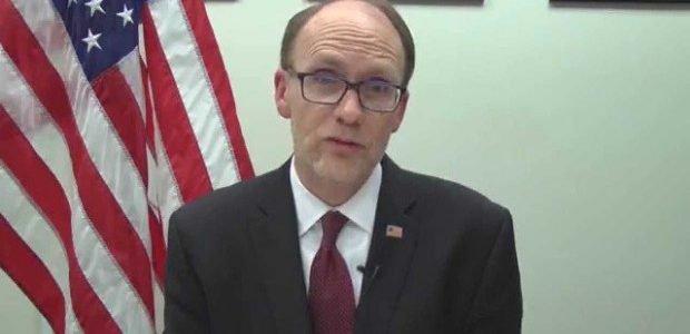 السفير الامريكي في الفلوجة للاطلاع على المشاريع المنجزة