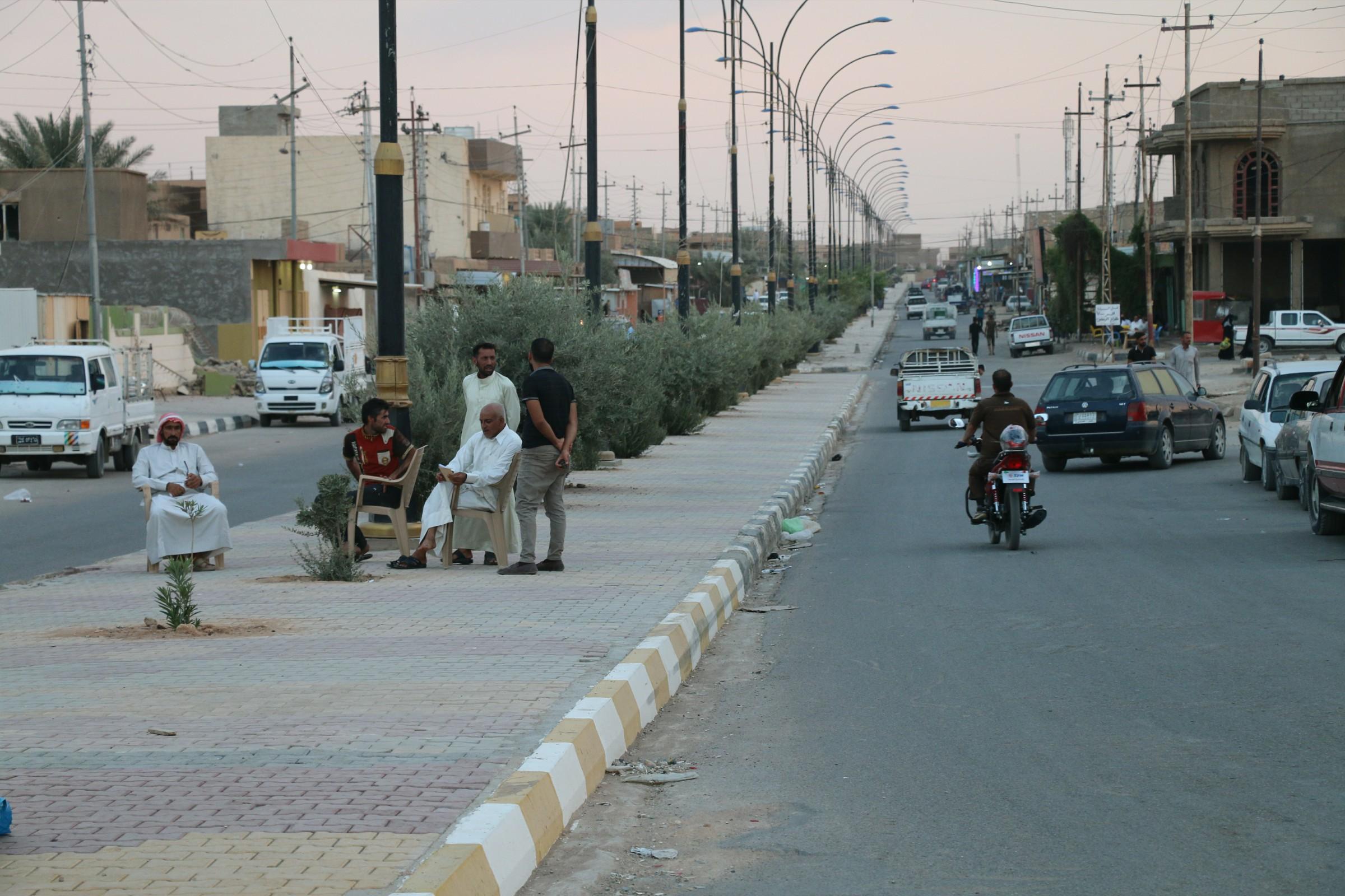 الجيش يسلم مواقع كان يشغلها بالرطبة الى الإدارة المحلية في القضاء