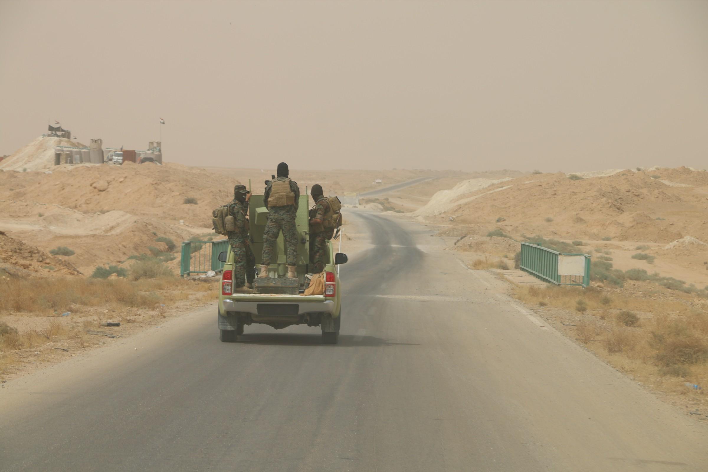 عمليات الجزيرة تعلن تطهير الطريق الرابط بين قضاء عنة والحدود العراقية السورية