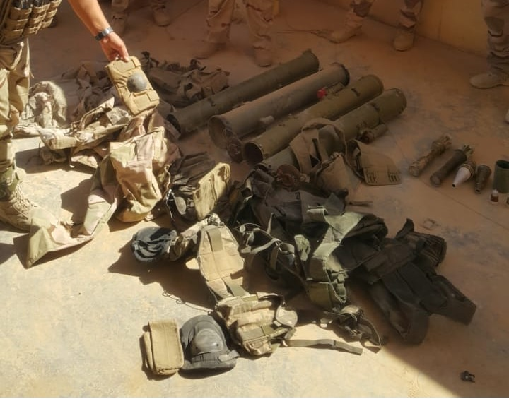 """عمليات الجزيرة تعلن العثور على مخلفات لداعش في راوه """"صور"""""""