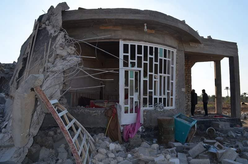 """بالصور.. الرسام يناشد بتعويض لمنزله الذي فجره """"داعش"""" بالرمادي"""