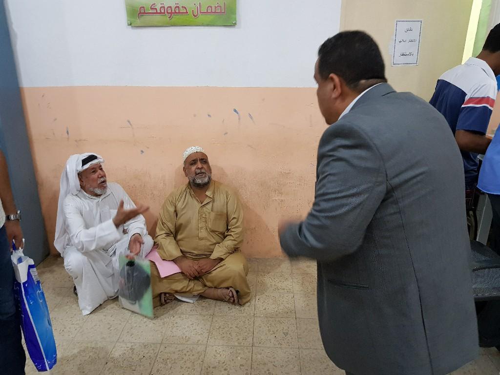 بالصور.. مدير تقاعد الأنبار يتابع المراجعين ميدانيا