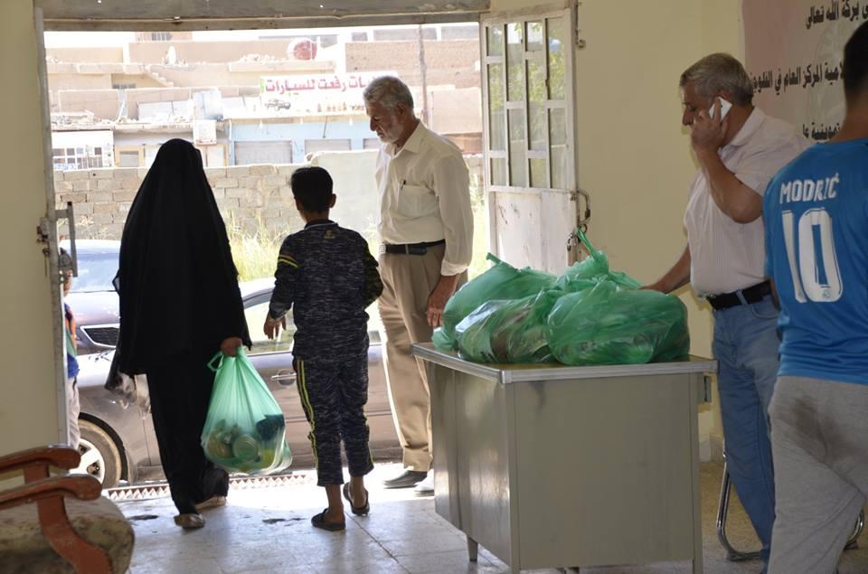 الجمعية الخيرية الاسلامية توزع سلات عذائية على المتعففين بالفلوجة وضواحيها