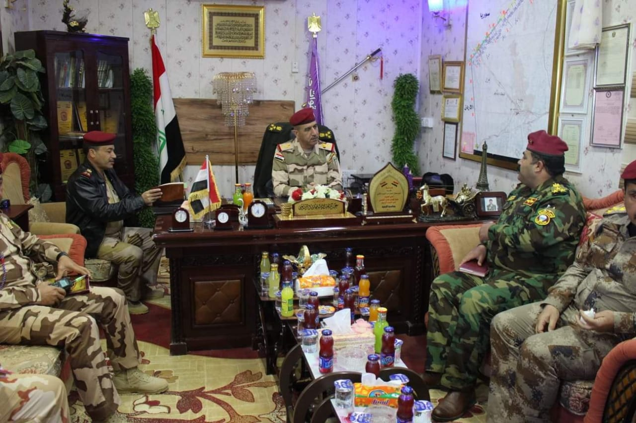 خلال تفقده منفذ الوليد.. قائد عمليات الأنبار يوجه بأساسيات لمنع تسلل عناصر داعش