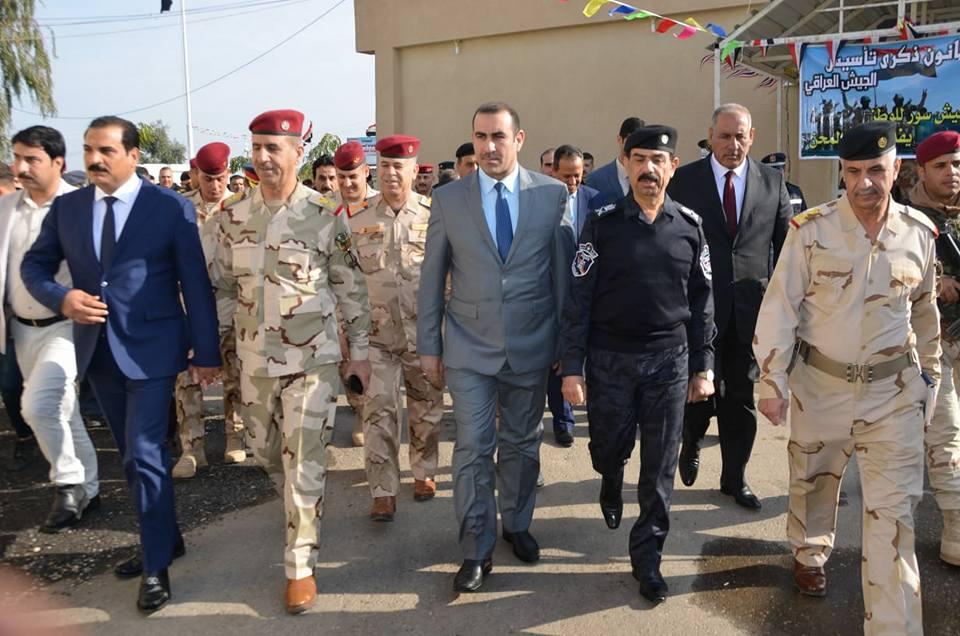 بالصور.. رئيس جامعة الأنبار يشارك الجيش العراقي عيدهم الـ98