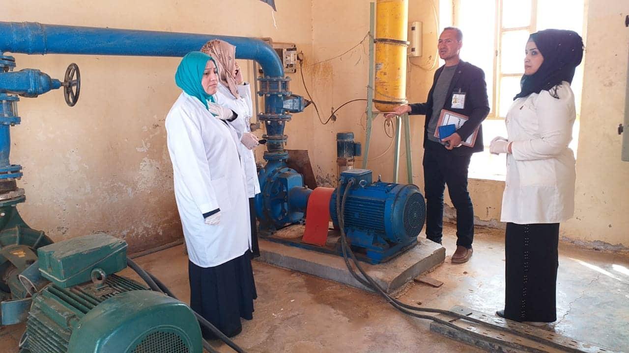 كادر نسوي طبي يطلع على مشاريع الماء في الرطبة
