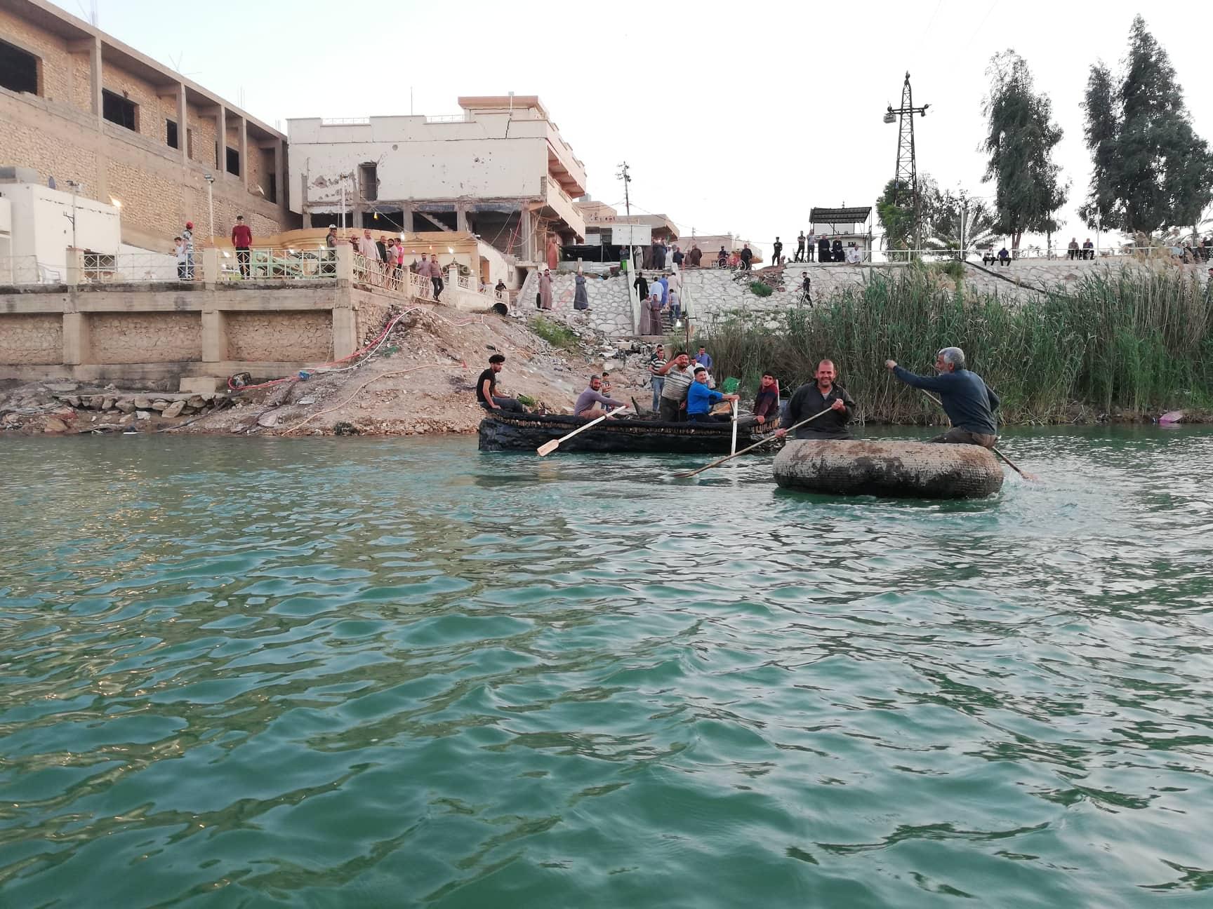 بالصور.. الكفة والكاية والمشحوف في نهر الفرات بالأنبار