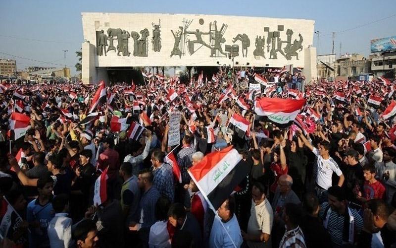 بغداد.. آلاف يتظاهرون ضد الوجود الأمريكي في العراق