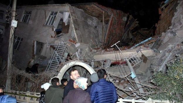 ارتفاع عدد ضحايا زلزال تركيا إلى 19 وفاة و772 مصابًا