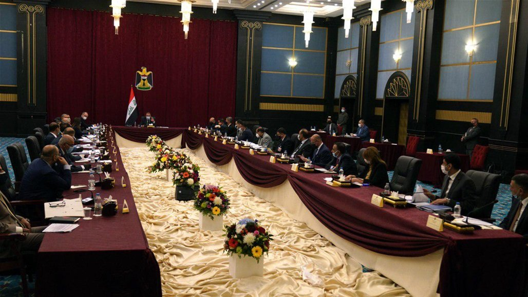 الكاظمي يصل البصرة ويعقد جلسة مجلس الوزراء