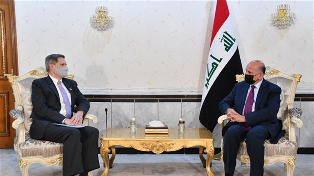 بغداد وواشنطن يؤكدان أهمية المضي في تحقيق شراكة فاعلة تتسم باحترام سيادة العراق