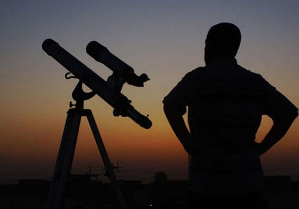 الوقف السني يعلن غداً الثلاثاء متمماً لرمضان والأربعاء أول أيام العيد