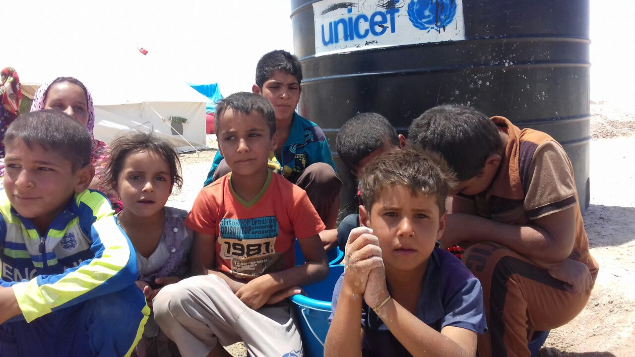 مجلس الانبار يدعو الهجرة لتحمل مسؤوليتها تجاه النازحين ويحذر من وفيات بين الاطفال