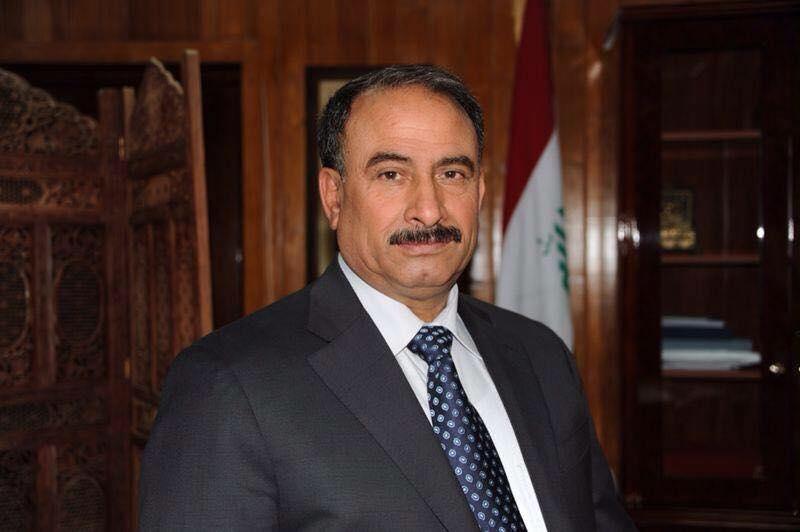 """""""كريم عفتان"""" يغيث نازحي الانبار في المخيمات"""