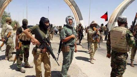 بالصور.. مقاتلي عشائر الانبار يسيطرون على منفذ الوليد الحدودي مع سوريا