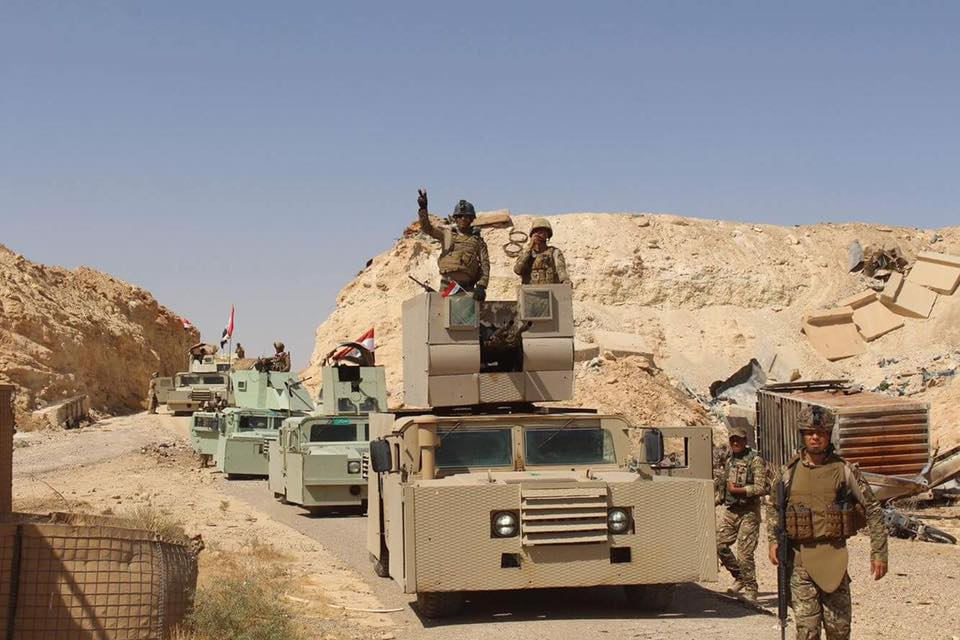 """الفرقة السابعة تنقذ 17 عائلة حاصرها """"داعش"""" غرب الرمادي"""