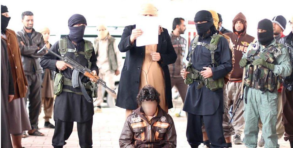 """""""داعش"""" يعدم اثنين من افراد الشرطة خطفهما قبل يومين في الأنبار"""