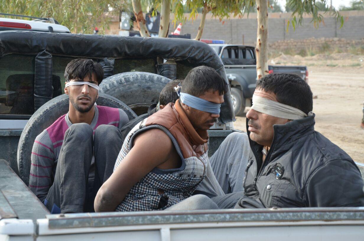 القبض على 10 أشخاص مشتبه بهم في الانبار