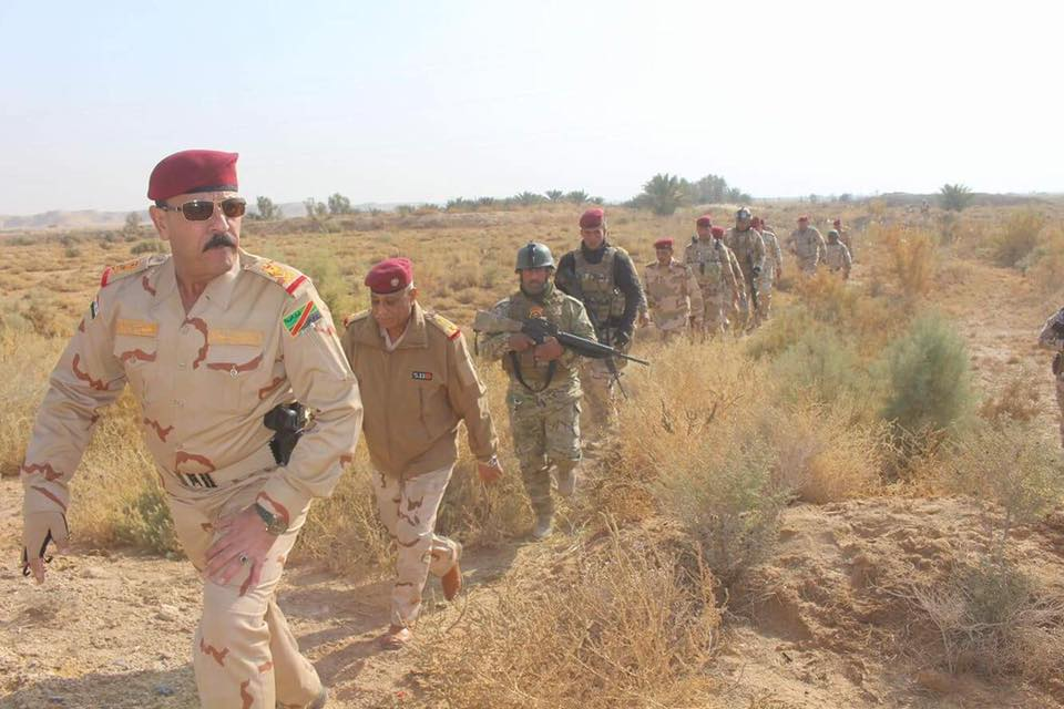 """قائد عسكري يعلن توجيه ضربات """"مؤثرة"""" على اهداف داعش غربي الأنبار"""