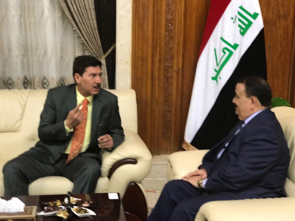 عضو بمجلس الأنبار: وزير الدفاع أوعز بفتح أربعة ممرات في سيطرة الصقور