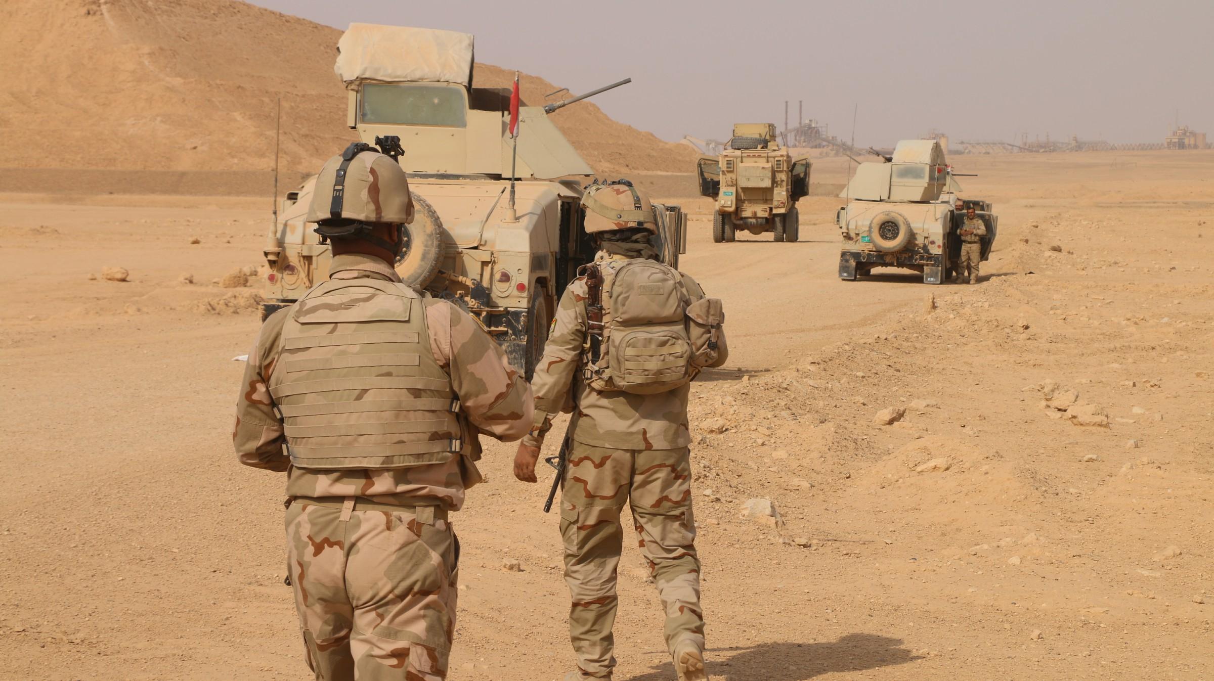 """تدمير مضافتين لـ""""داعش"""" واعتقال سبعة اشخاص بعملية أمنية غرب الرمادي"""