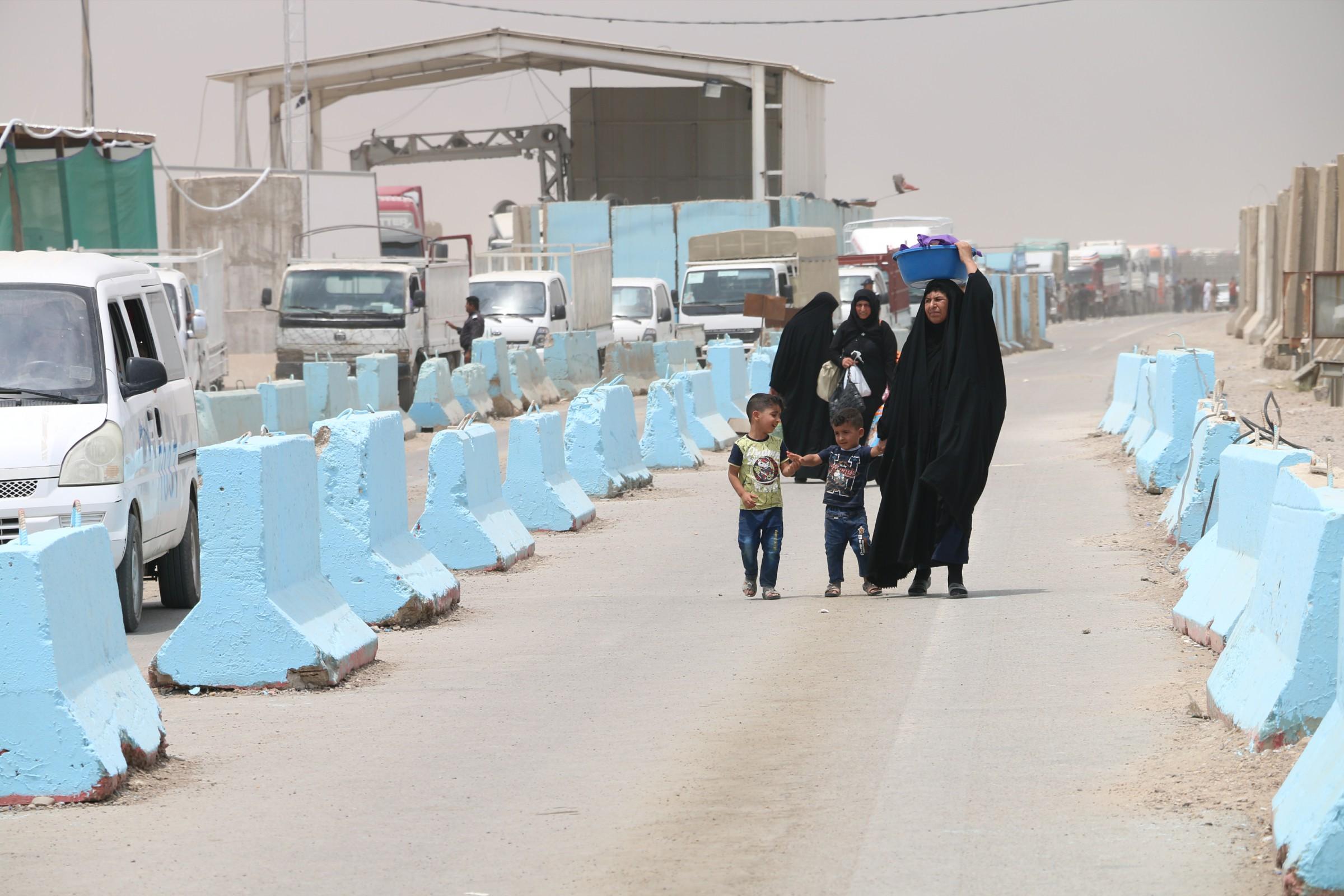 مسؤول انباري: سيطرة الصقور تمنع أهالي راوه وعنه والقائم من الدخول الى بغداد