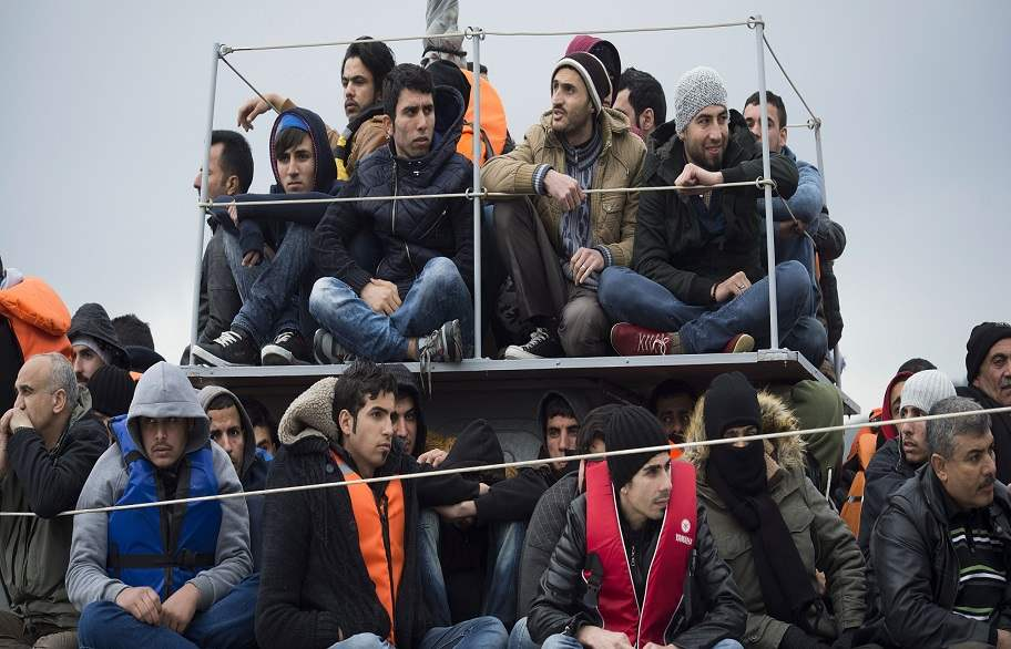 أستراليا ترحل طالب لجوء عراقي ضد إرادته رغم تهديده بإيذاء نفسه