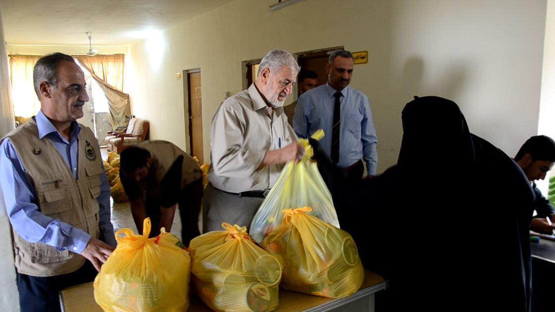 الجمعية الخيرية الإسلامية توزع سلات غذائية على المتعففين بالفلوجة