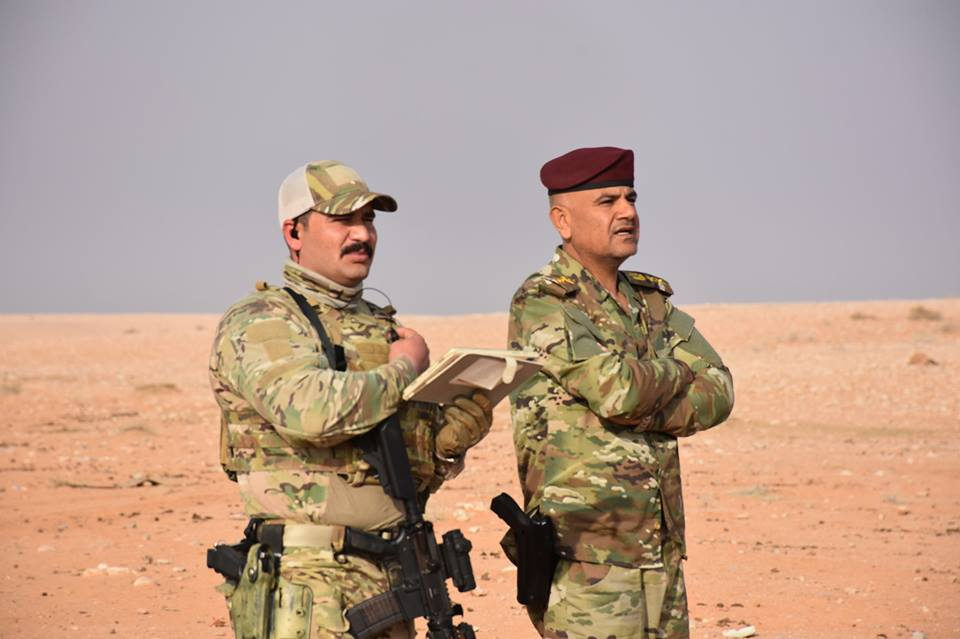 """بالصور.. """"الأقنعة الخضراء"""" يطاردون داعش في الصحراء"""