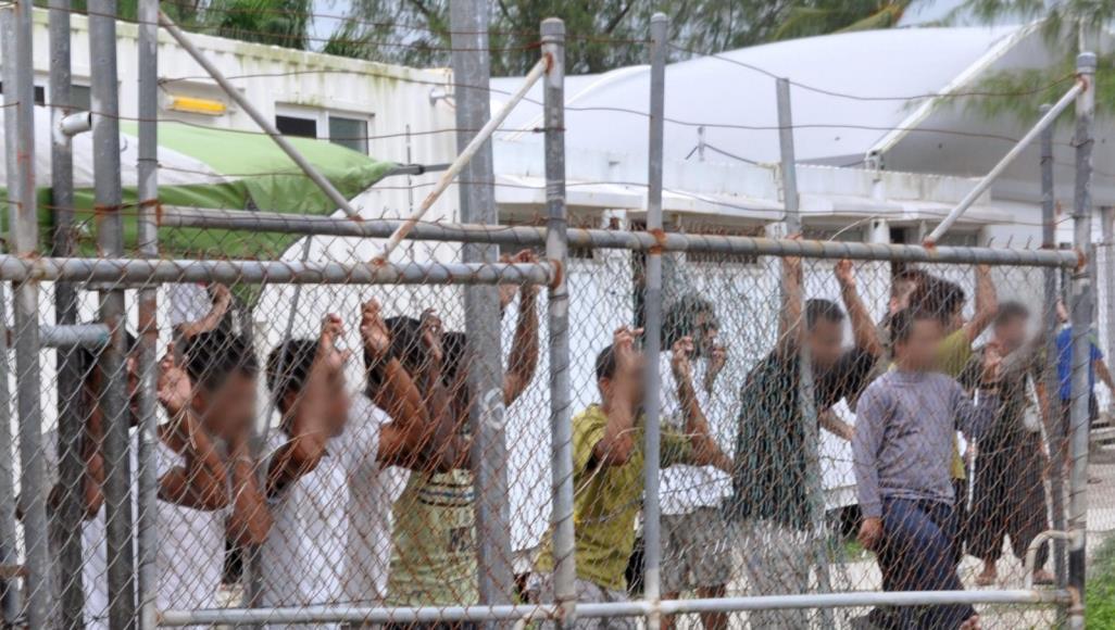 """أستراليا تعلن نجاح سياستها """"الصارمة"""" حيال اللجوء غير الشرعي وتغلق مركزي احتجاز"""