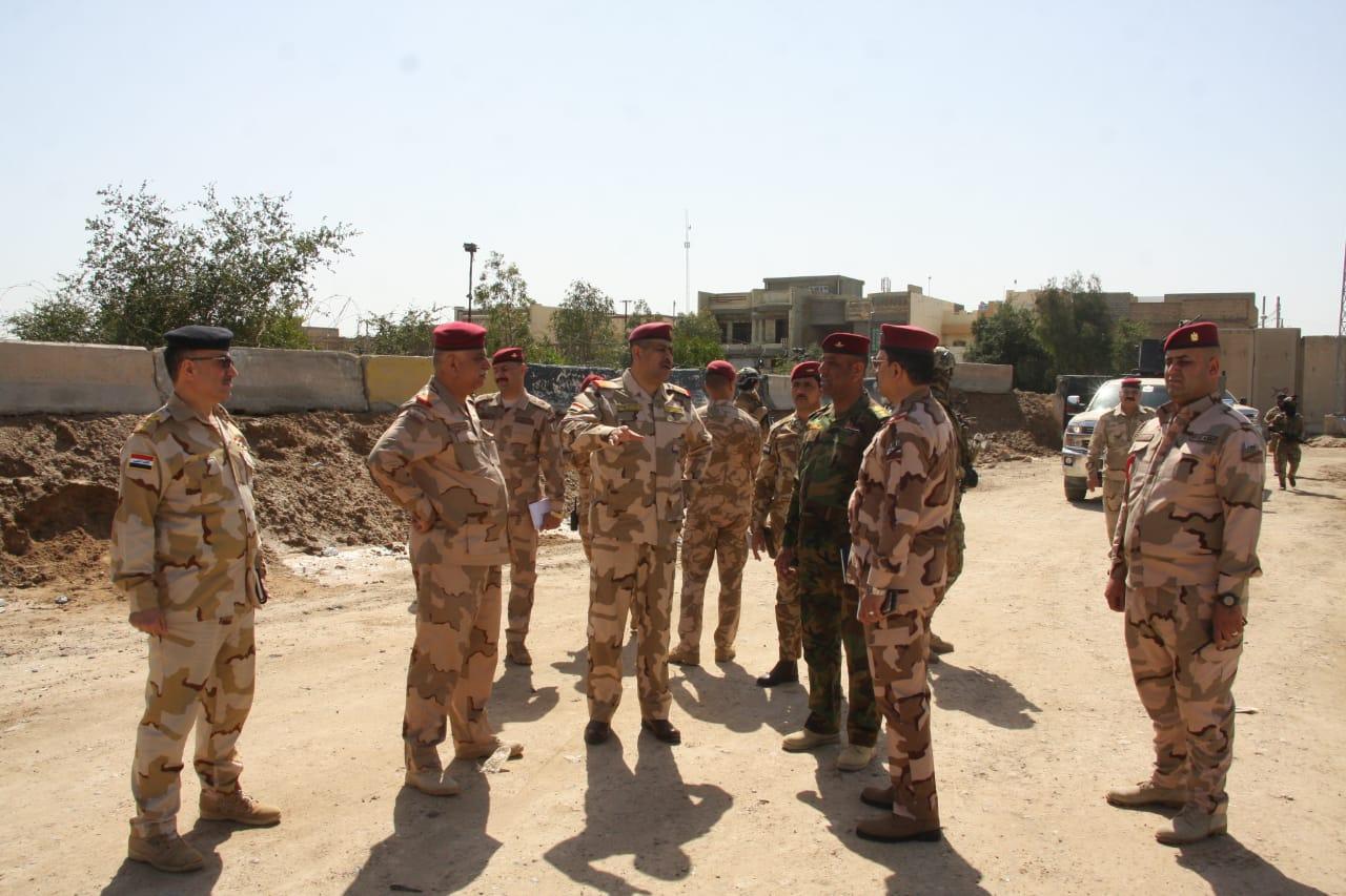 نائب قائد عمليات الأنبار يتفقد منطقتي الثرثار والخط الستراتيجي وحشد العشائر