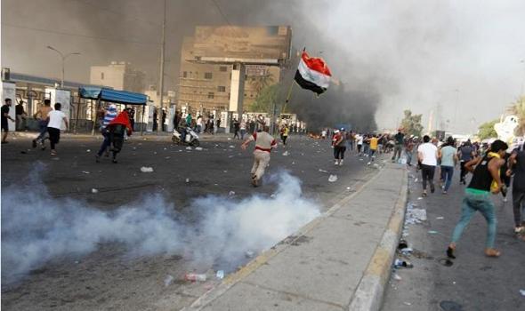 العراق.. إصابة 30 متظاهرا في ذي قار الأحد