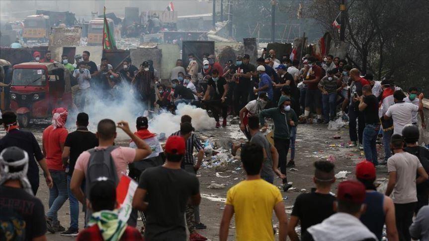 محتجون في كربلاء يبعدون أنصار الصدر من ساحة التظاهر