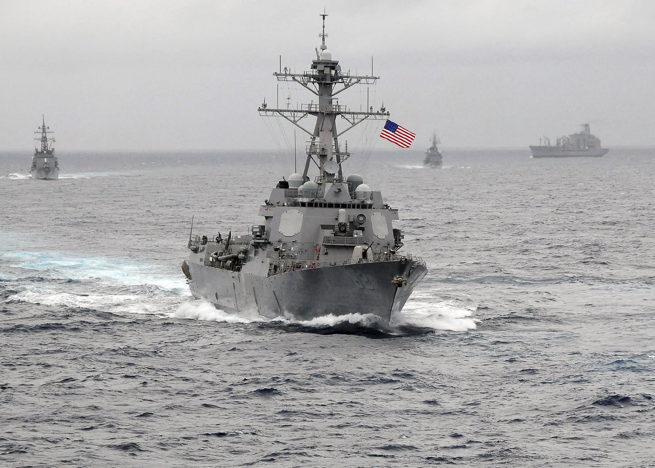 الجيش الأميركي يهدد الصين بمعارك بحرية